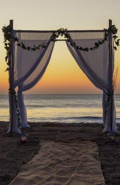 Sunrise-wedding-by-Sunny-Beach-Weddings